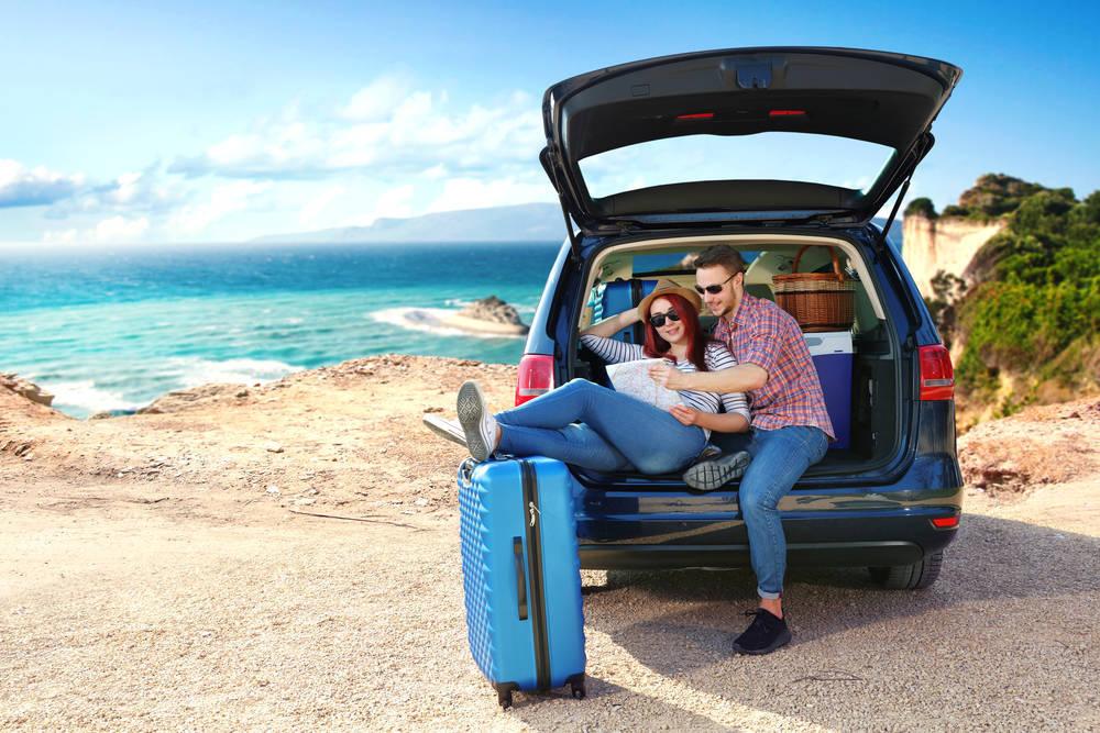 Si vas a coger el coche en vacaciones, revísalo antes. Te decimos dónde hacerlo